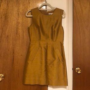 Diane Von Furstenberg gold shift dress w zipper